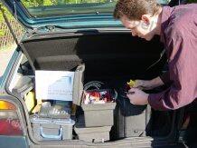 Auto mit Werkzeug im vor-Ort-Service