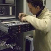 Mitarbeiter bei der Server-Administration