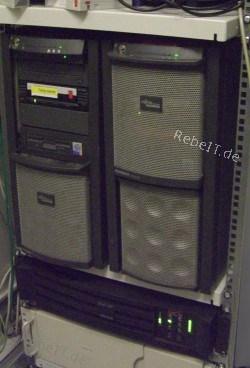 Server-Betreuung bei 2 Servern mit USV im Jahr 2006