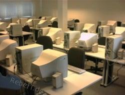 IT-Betreuung eines Schulungsraums im Jahr 2003